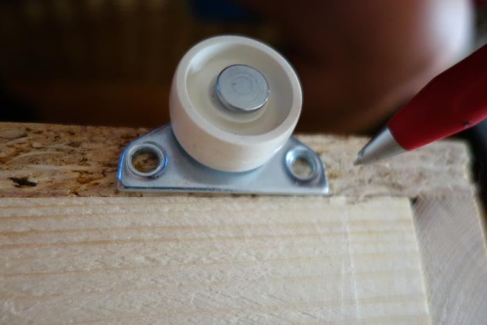 haushaltstipps eine rollschublade unterschrankschublade selber bauen. Black Bedroom Furniture Sets. Home Design Ideas